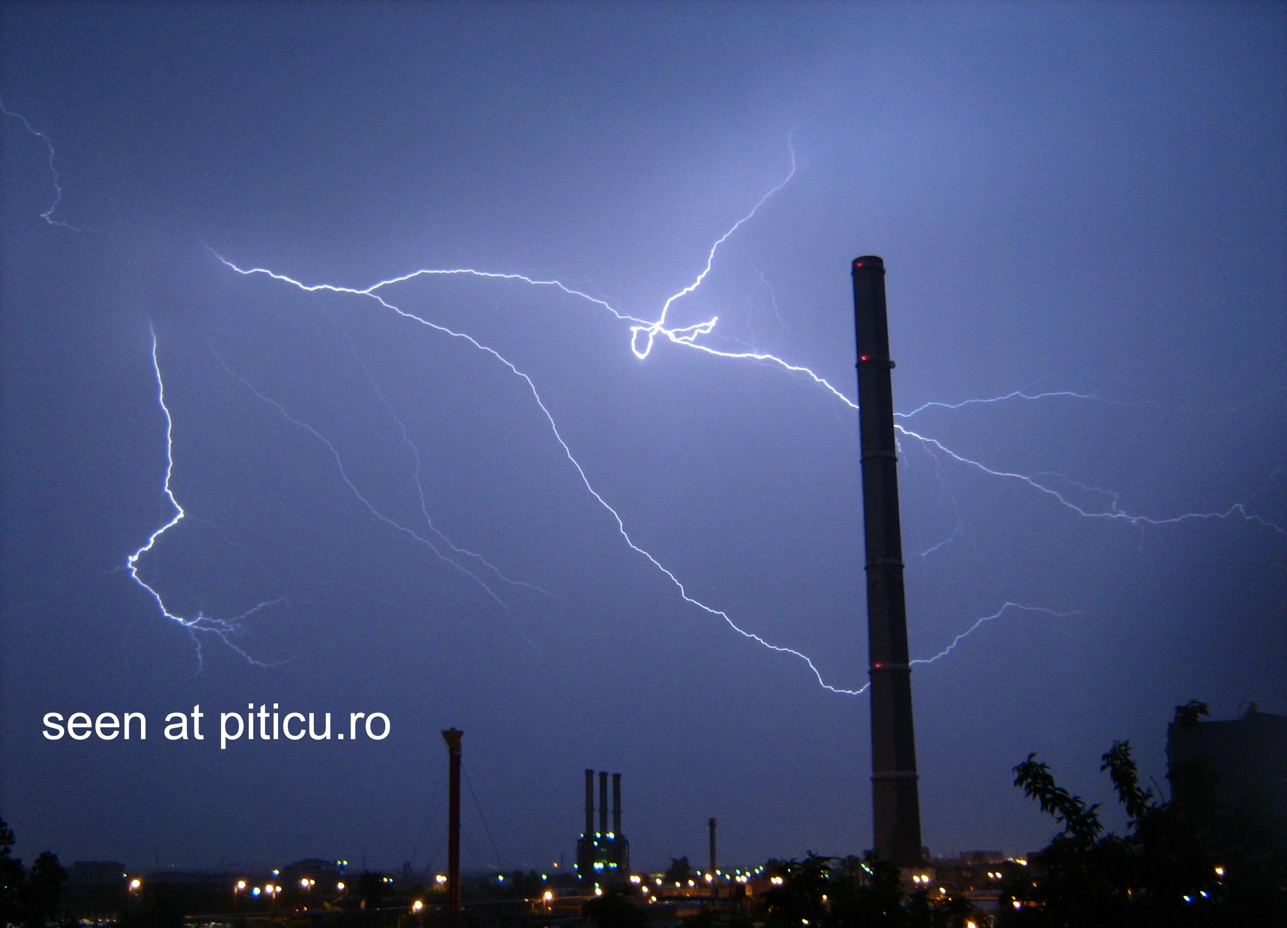 Romania plateste apa de ploaie, de la Dumnezeu