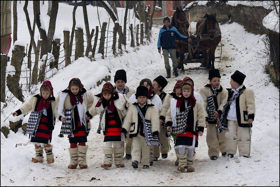 sarbatori de iarna bucovina ilustratie poza craciun colinde anul nou