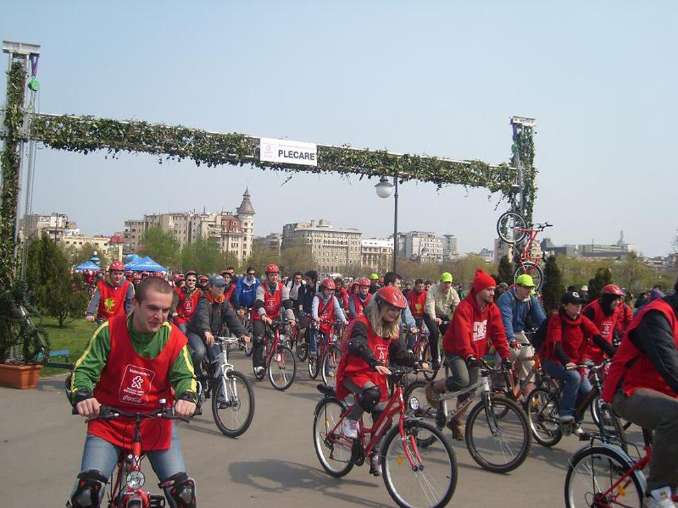 Unde te-ai da prima data cu bicicleta rosie