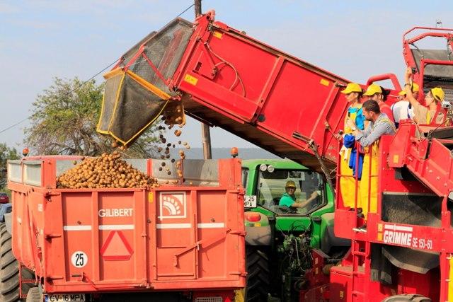Se poate face agricultura in Romania?