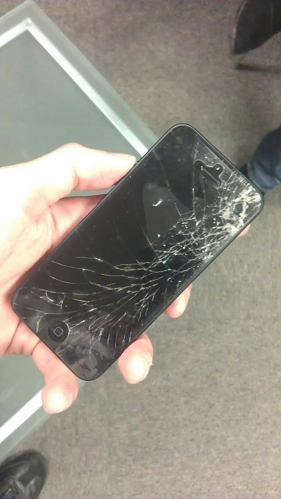 Cum arata un iPhone 5 spart
