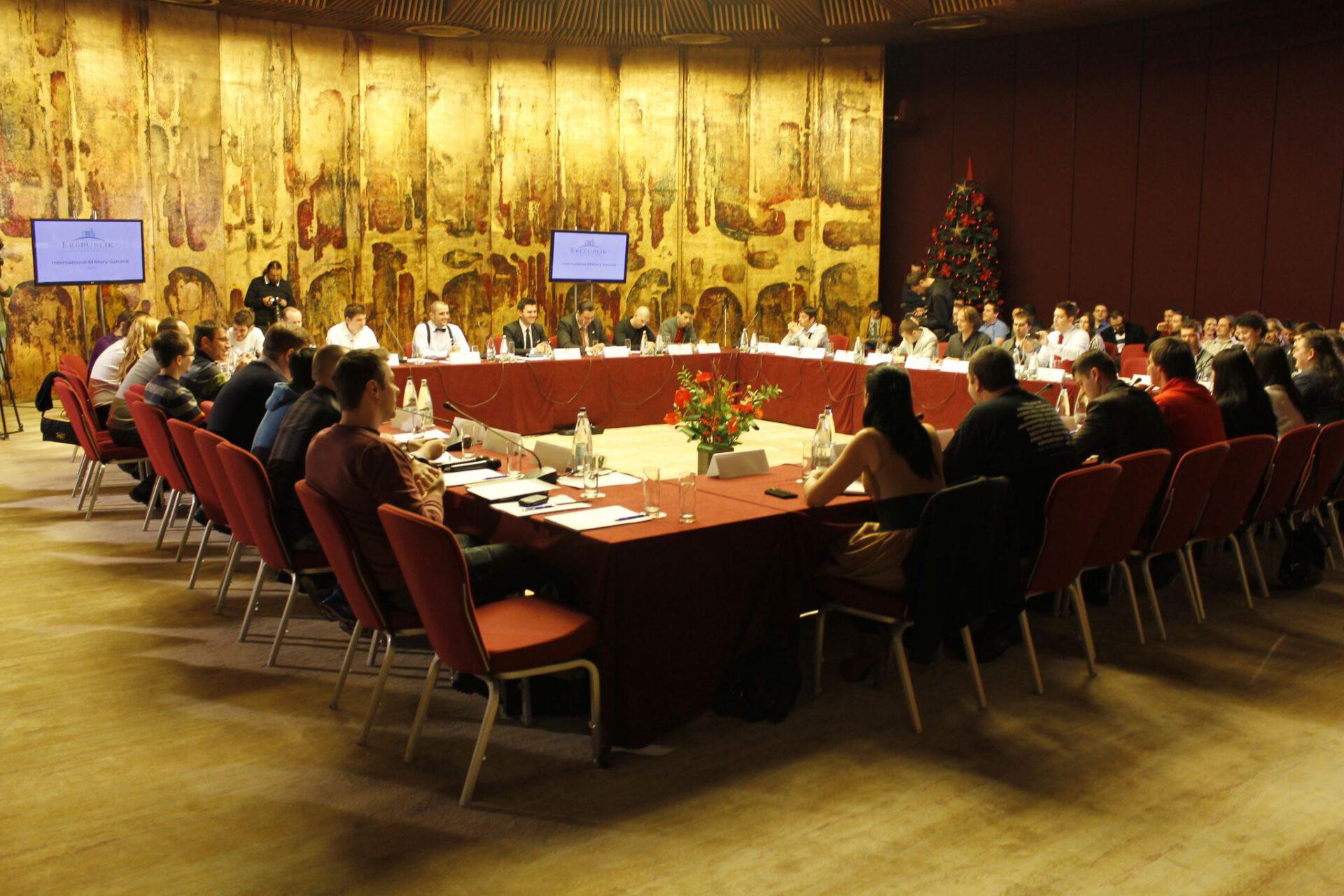 Summitul militar international Erepublik