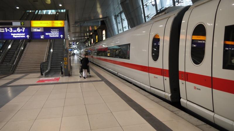 Surpriza de la CFR! Petreceti Valentine's Day intr-un tren