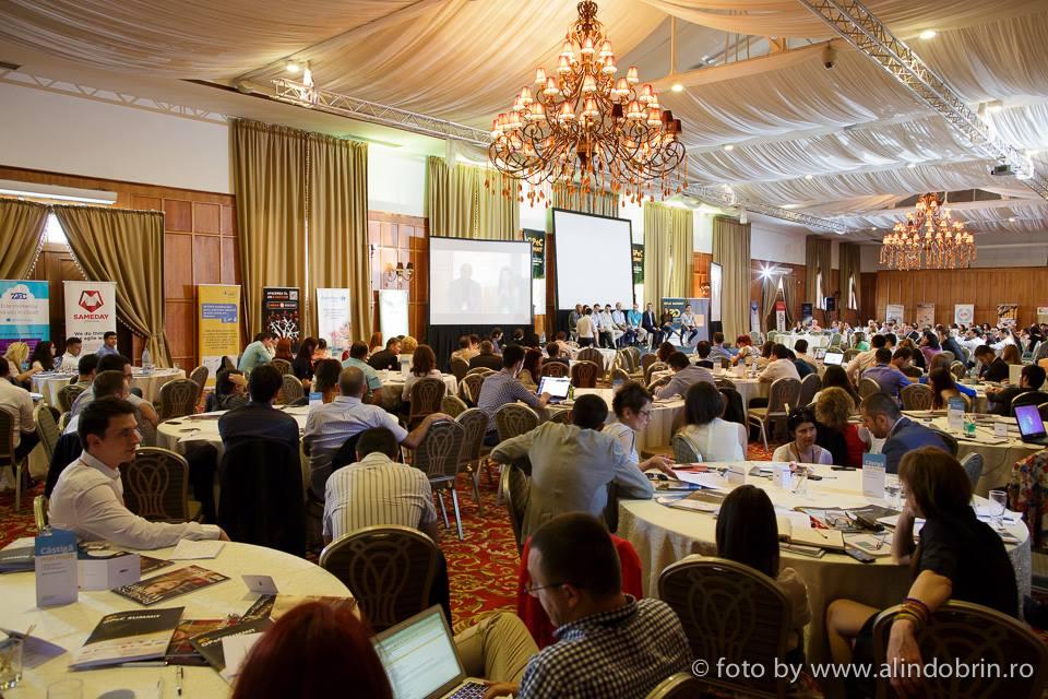 Peste 600 de participanţi au luat pulsul comerţului electronic