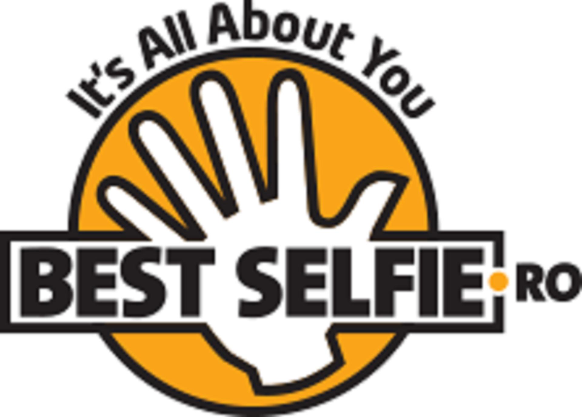 Prima expozitie de selfie … din lume?