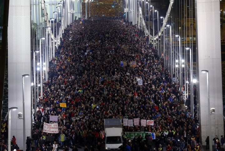 Victorie in Ungaria, 200 de mii de oameni au retras taxa internetului