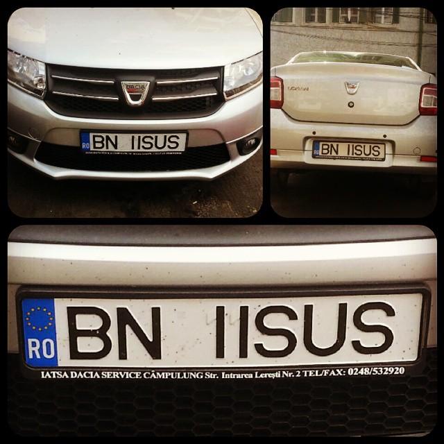 Isus iti da voie sa circuli cu numere false la masina