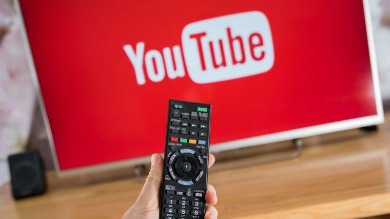 YouTube cucerește ecranele TV. Ce se întâmplă cu televiziunea clasică