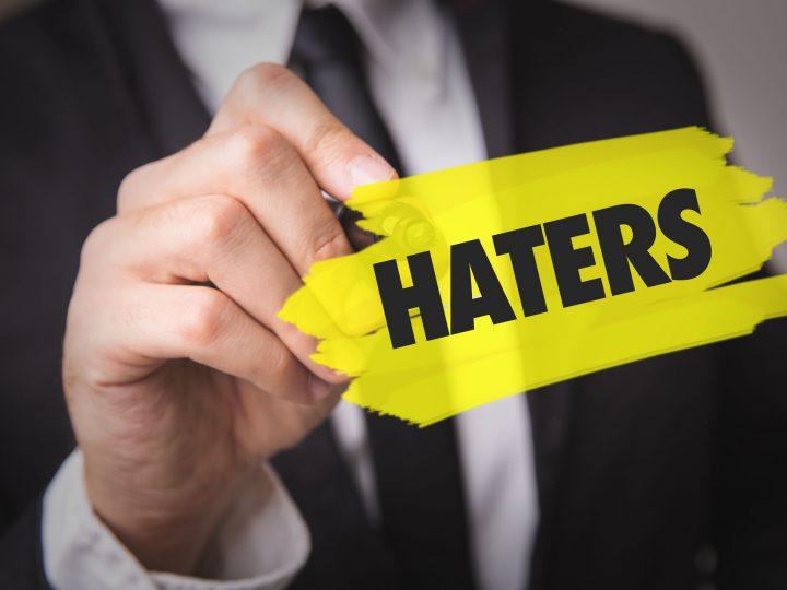 Facebook a devenit un loc de hate, unde nu mai dă nimeni like