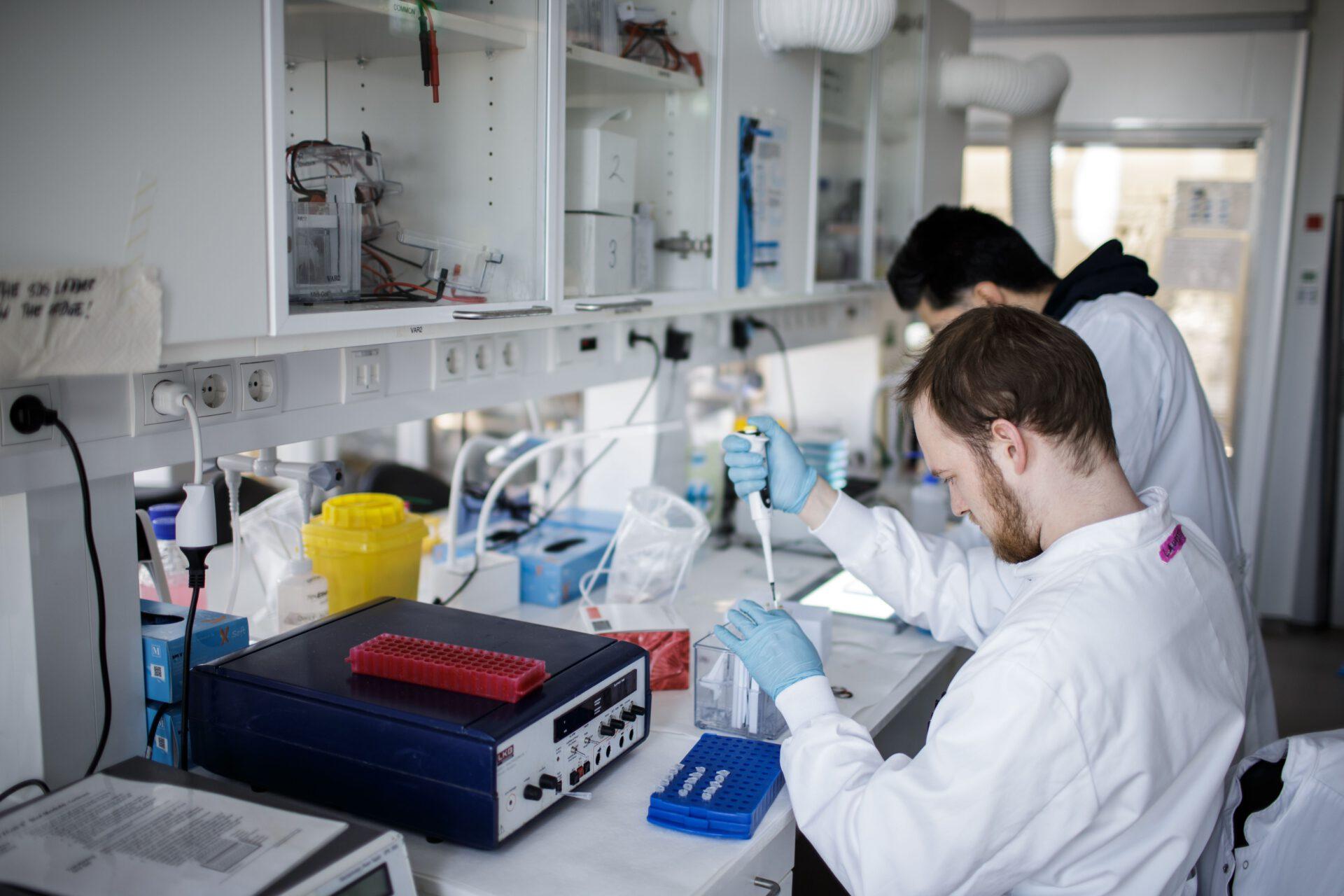 Cine sunt primele persoane care se vor vaccina împotriva coronavirus